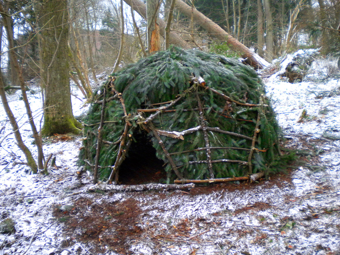 Building A Shelter In The Woods : Wild huts hut