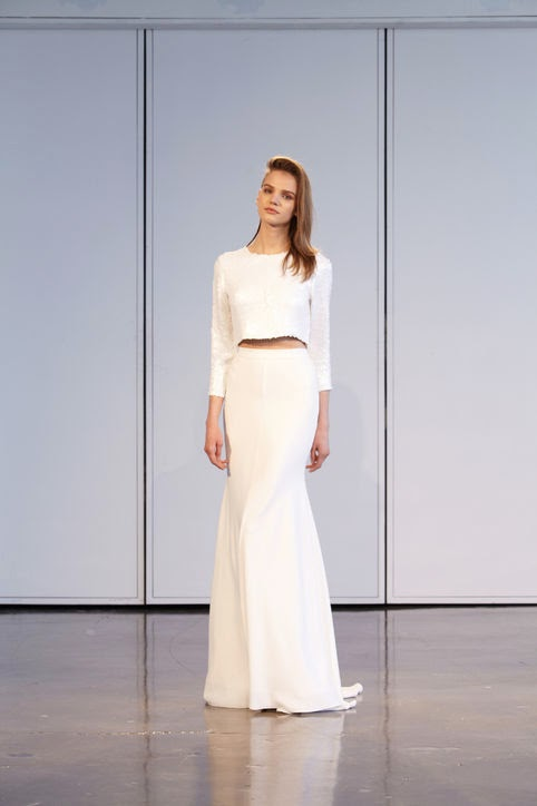 екстравагантна сватбена рокля
