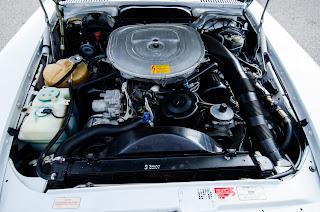 40 Mercedes-Benz 560SL R107 1988