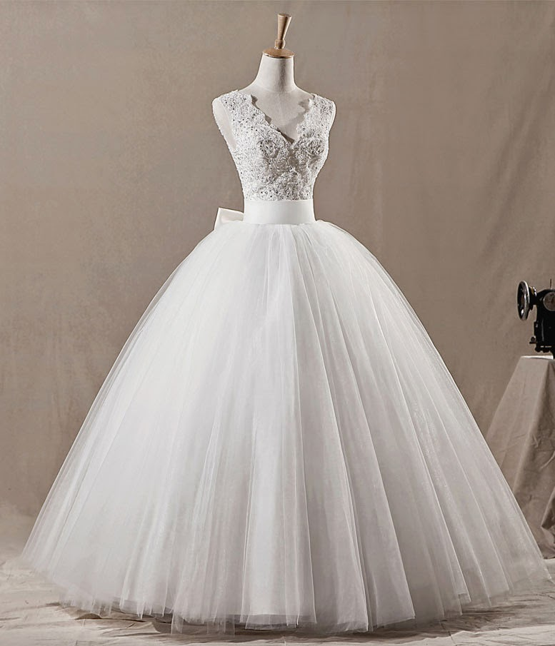 Пышные платья с бантом сзади