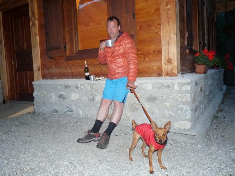 ツール・ド・モンブラン イタリアのクールマイユール、ヴェニー谷のキャンプ場 エギュイ・ノワール Aiguille Noire