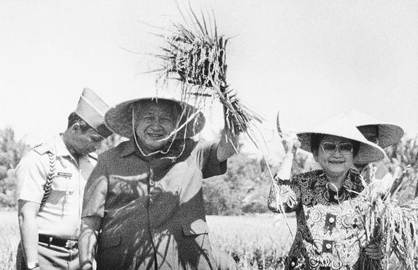 Asal Usul Mantan Presiden Soeharto Dijuluki Bapak Pembangunan