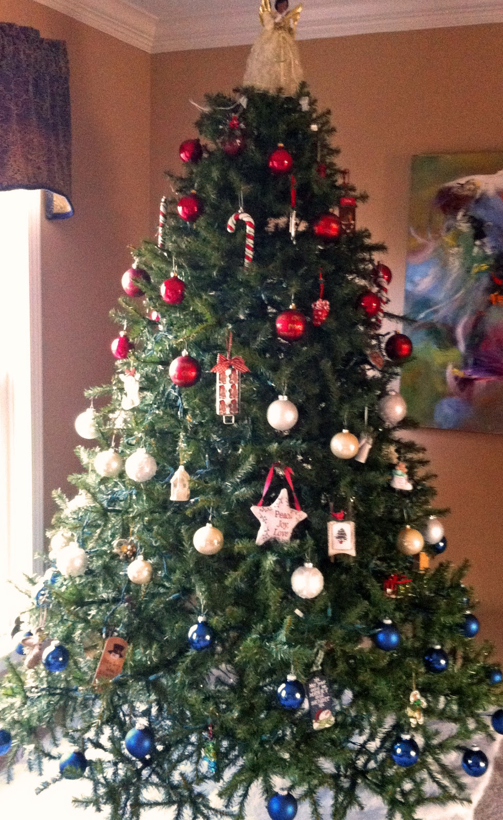 Laura 39 s creative moments our red white and blue christmas tree - White and blue christmas tree ...