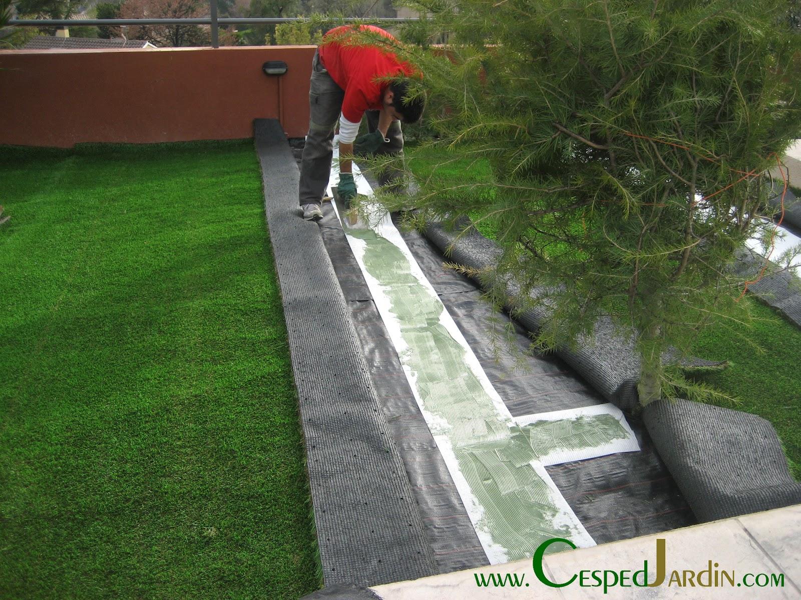 Cespedjardin c sped artificial jardiner a y paisajismo - Como se pone el cesped artificial ...