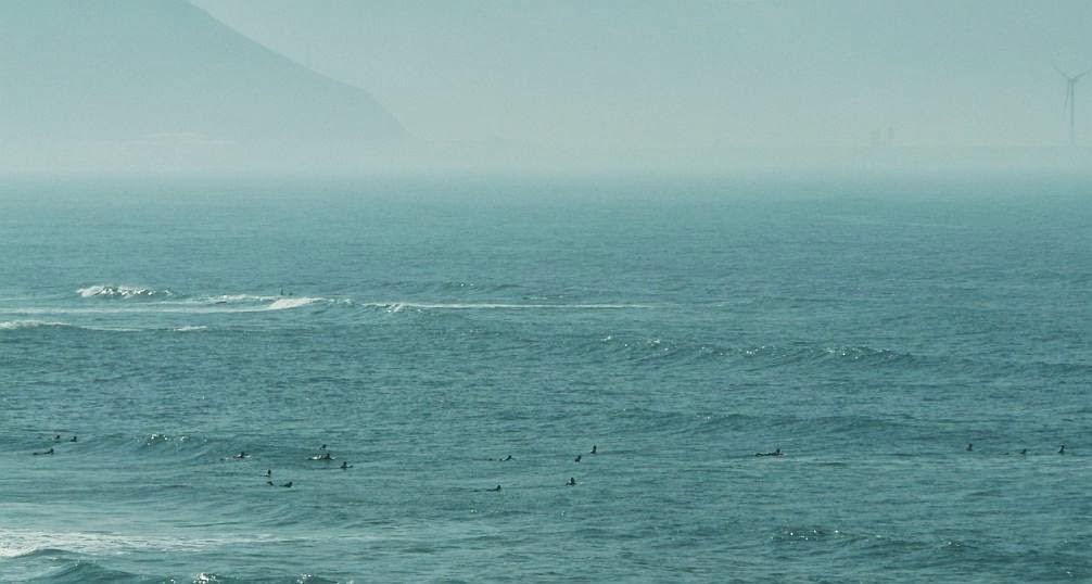 surfistas esperando la serie