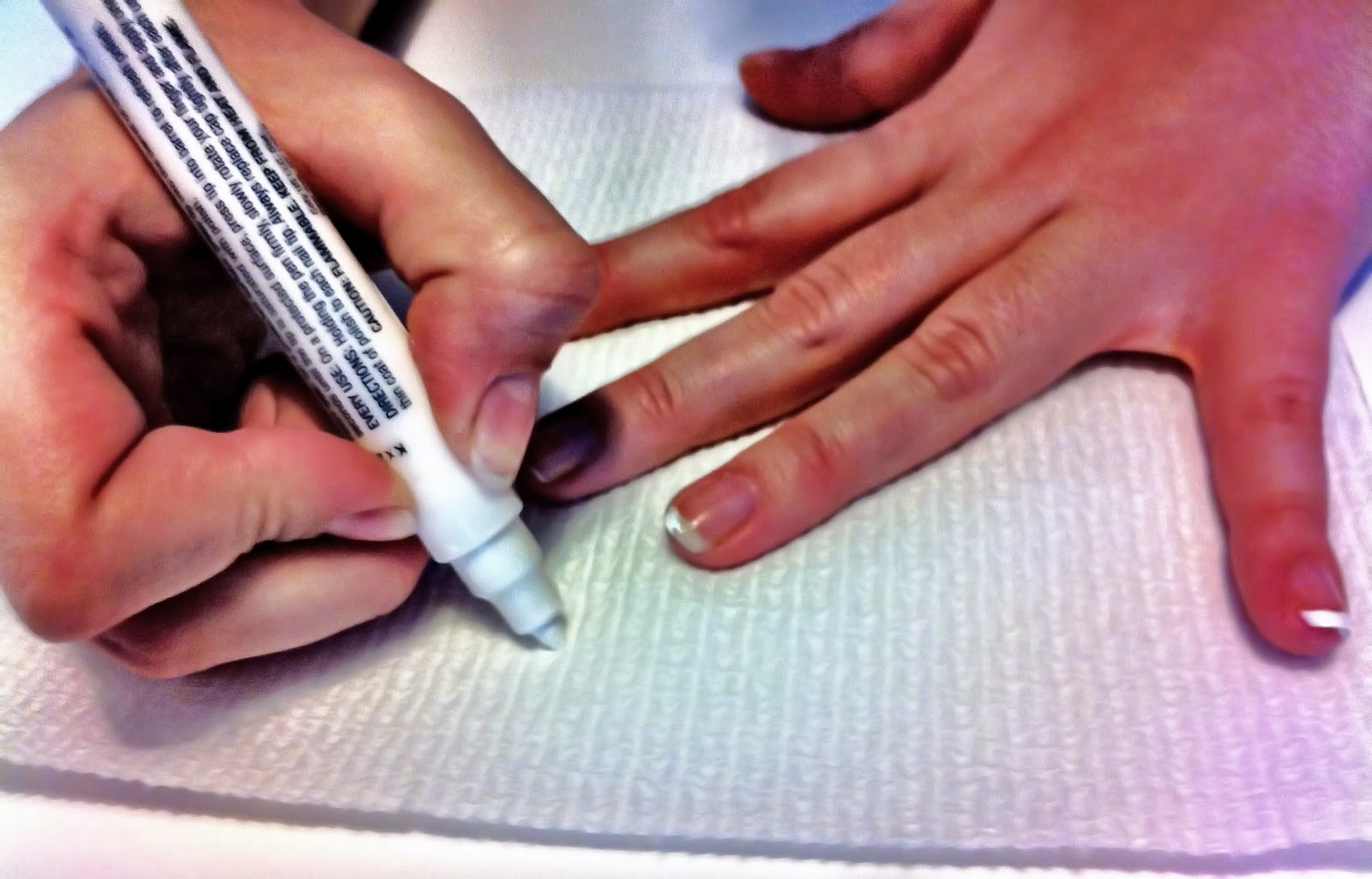 Nail yourself tip the french tip the first tip for these perfect tips make sure the pen is very saturated this is important because you dont want to have to do a second coat that can solutioingenieria Images