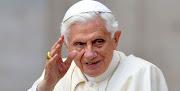 Ciudad del Vaticano -- Benedicto XVI se dio un golpe en la cabeza durante su . papa