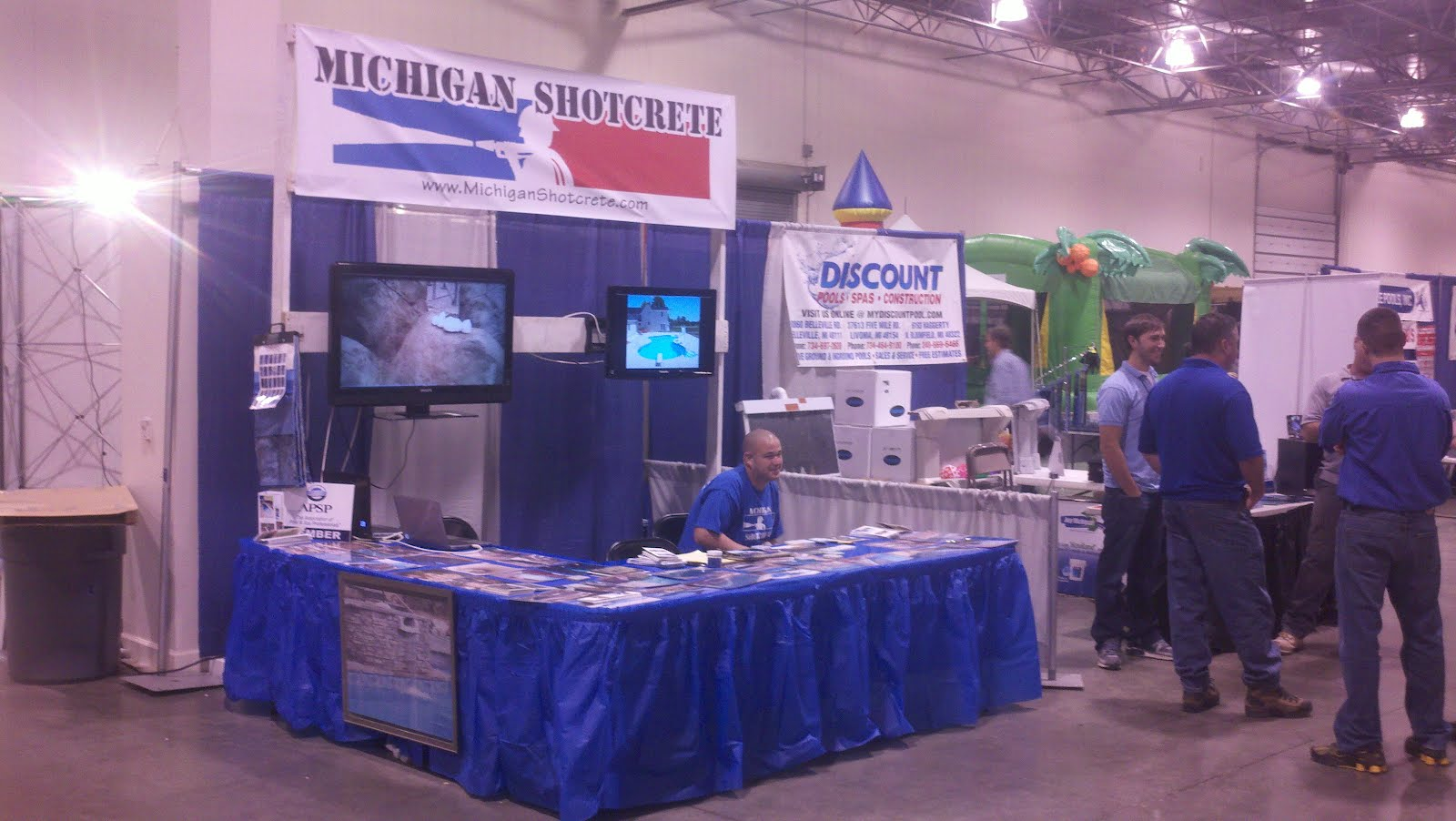 Michigan shotcrete gunite pool builder for Pool show michigan