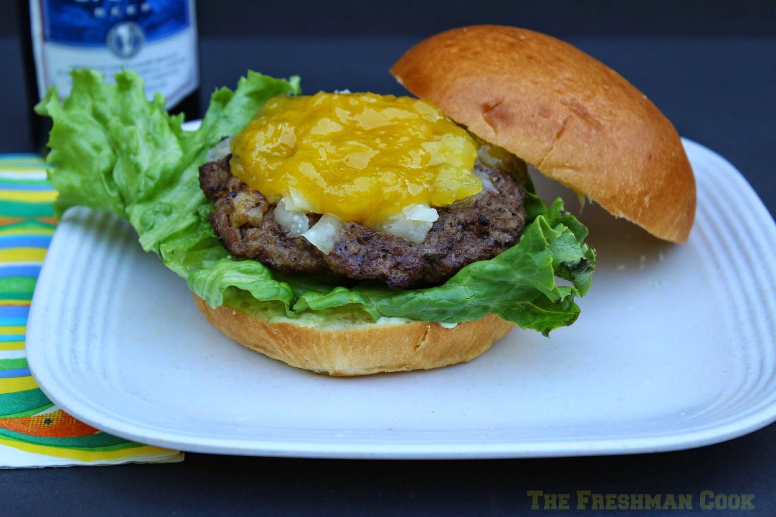 cheeseburger, paradise, tropical sauce, manchego cheese