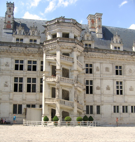 vdpvde la voix des tudiants chateau de blois. Black Bedroom Furniture Sets. Home Design Ideas