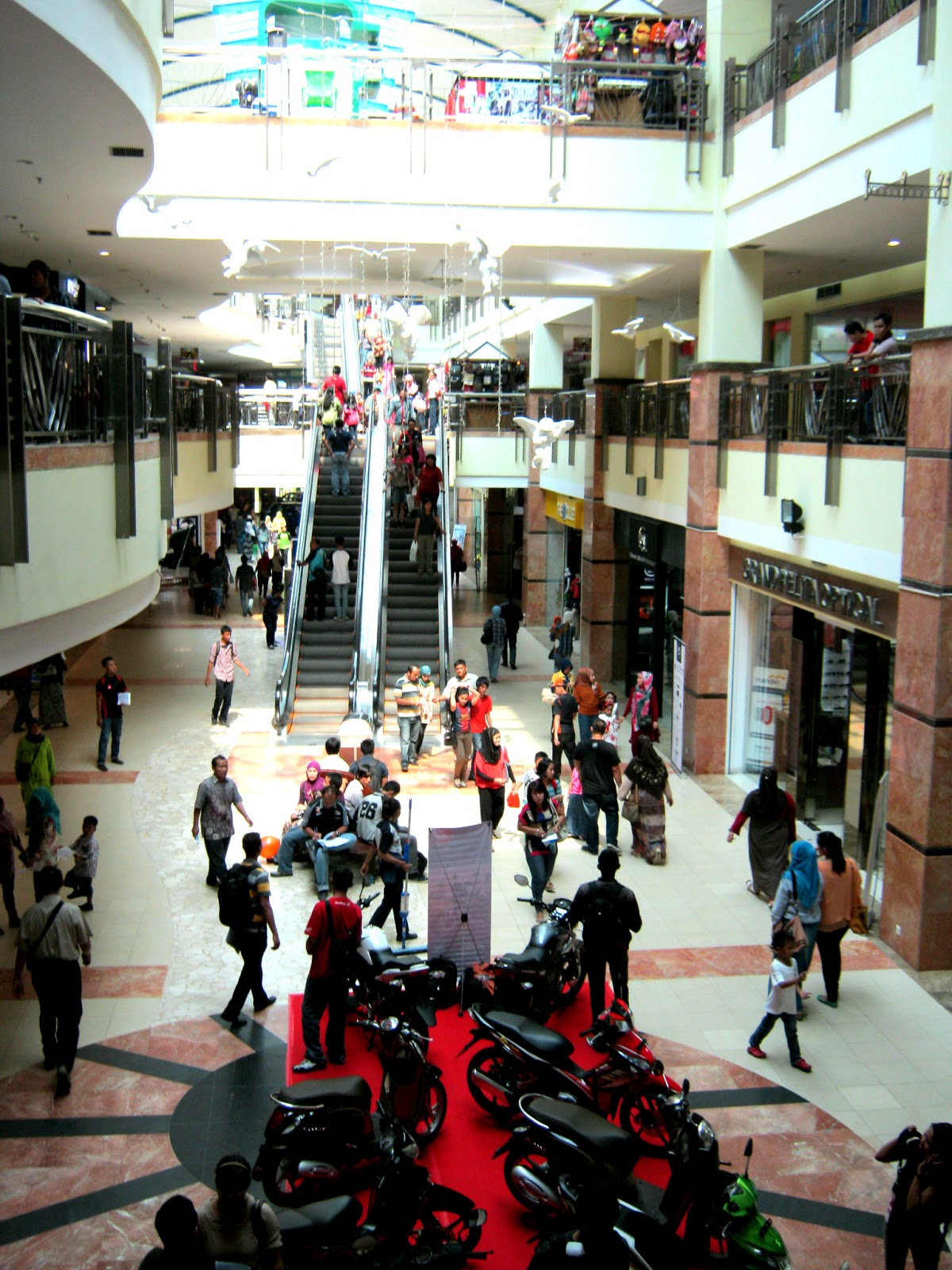Keliling Mall Ska Pekanbaru Pakai Choo Choo Train Keliling Riau
