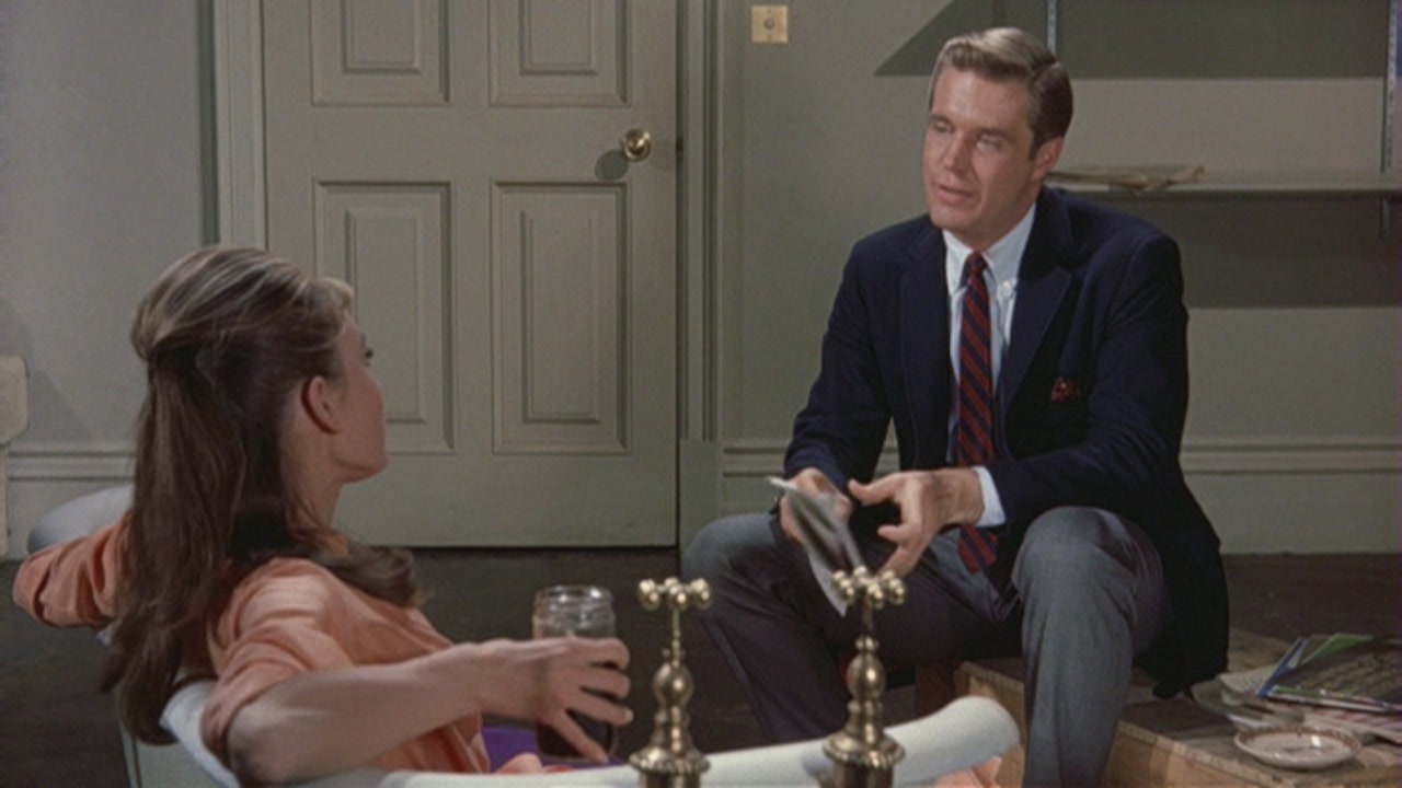 an analysis of the movie breakfast at tiffanys 2 thoughts on  film review: breakfast at tiffany's  vanessa gregoria says: 13 january 2018 at 12:45 i love this movie, it's so timeless and tasteful in dealing with her profession.
