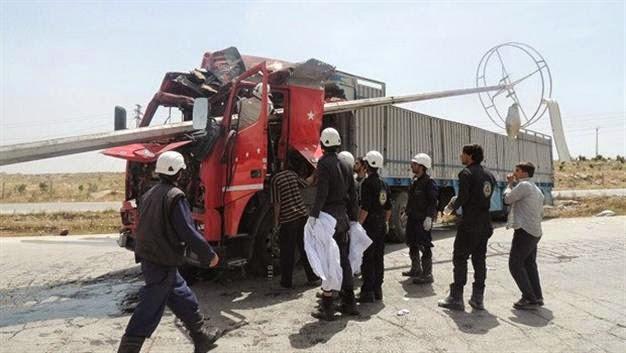 Jet tempur rezim Nushairiyah menyerang truk yang membawa pasokan bantuan untuk warga Suriah