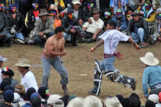 Takanuy - Festival Berkelahi Di Peru