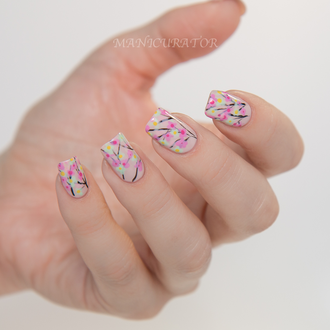 Nail-Art-Fashion-Week-2015