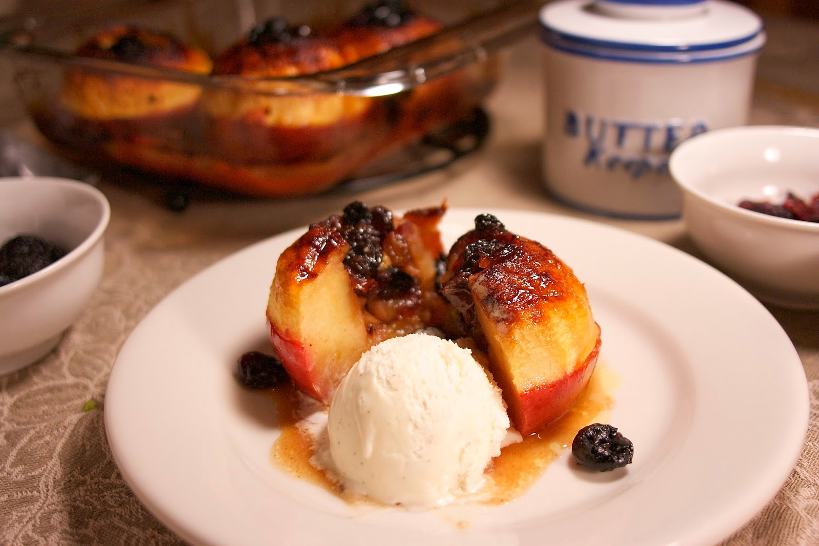 Baked Apples Filled with Fruits and Nuts: Simple Living and Eating