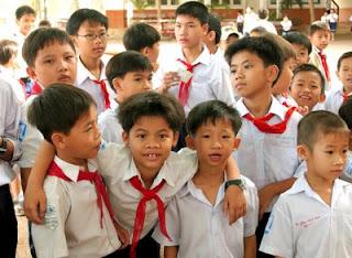Baju uniform sekolah Vietnam