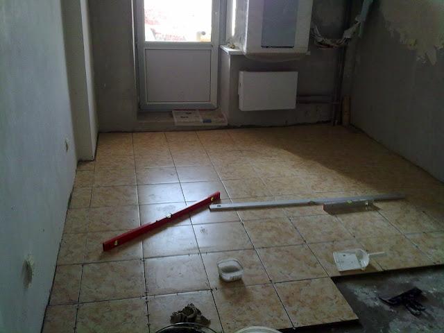 Пол из кафельной плитки на кухне