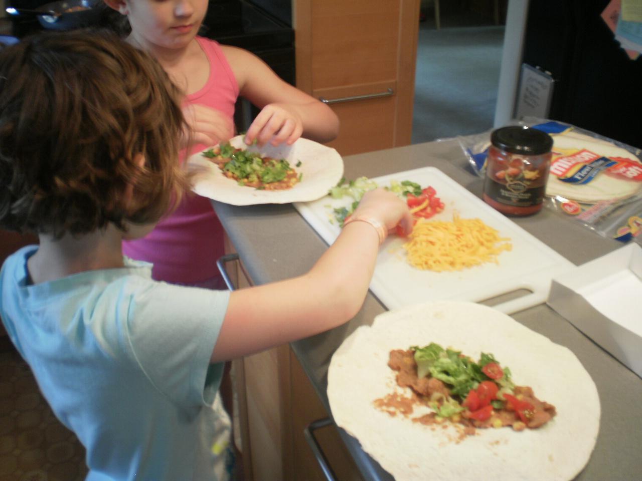 etsykids easy kid friendly vegetarian taco dinner. Black Bedroom Furniture Sets. Home Design Ideas