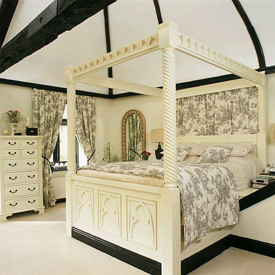 Black and Cream Toile Bedroom