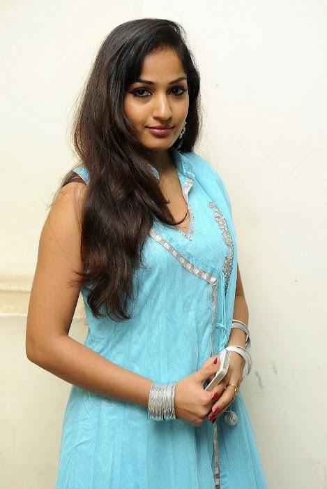 madhavi latha photo gallery