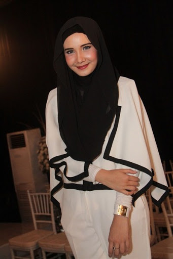 trend model gaya hijab ala zaskia sungkar terbaru 2017/2018