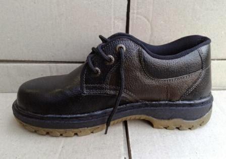 Sepatu Safety Kulit Asli Pendek / Low Cut