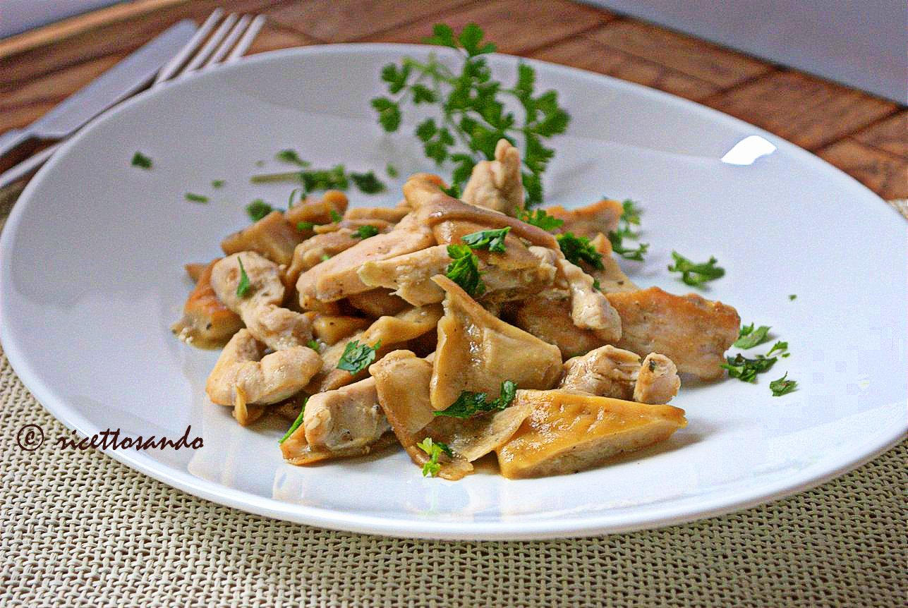 Straccetti di pollo con funghi ricetta secondi con carne bianca