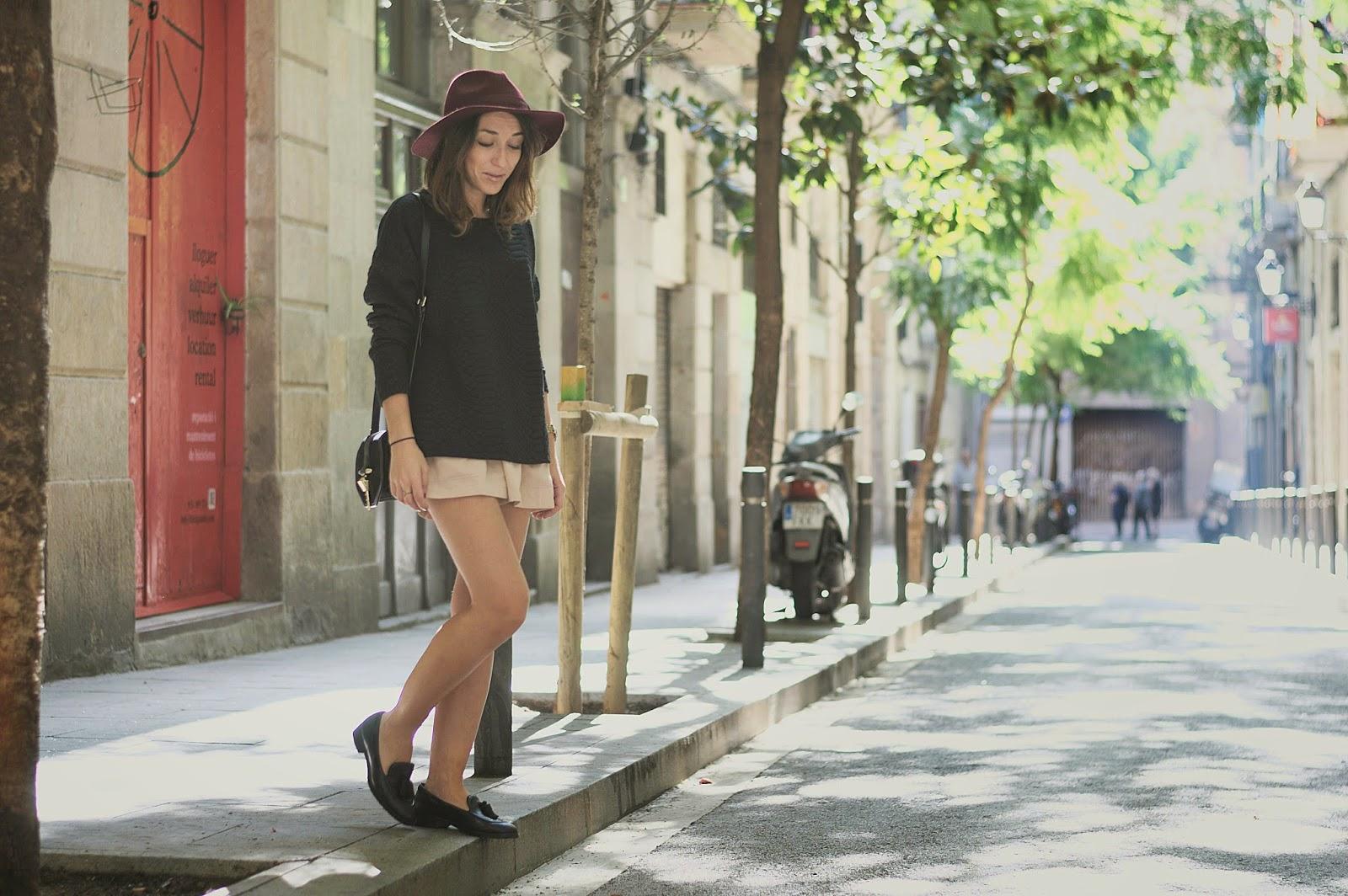 jersey H&M, Shorts Pepa Loves, bolso Zara, mocasines Geox