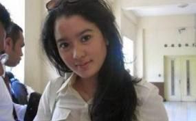 Marcella Zalianty telanjang
