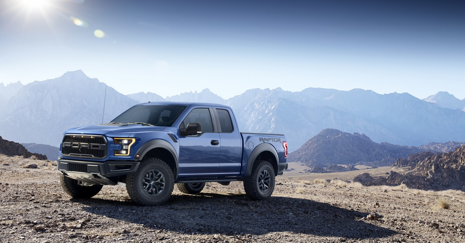 2015 - [Ford] F Series - Page 2 2017-Ford-F-150-Raptor-2