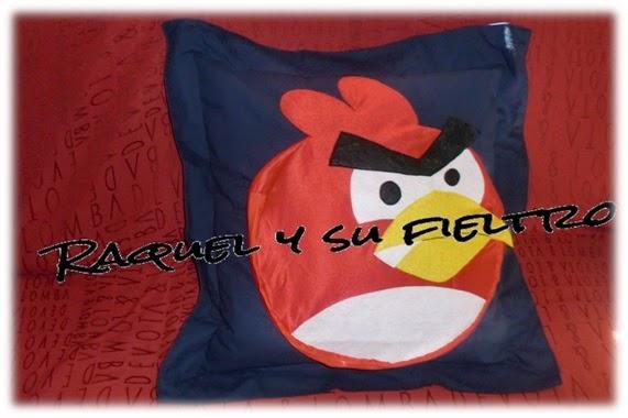Raquel y su fieltro: Cojín de Monster-High y Angry Birds (Núria y ...