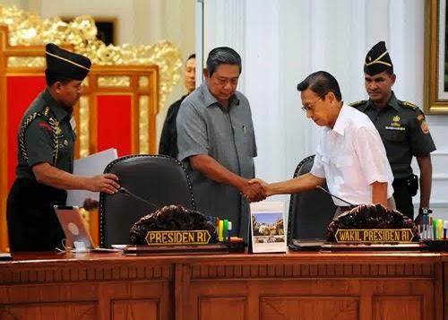 papan nama meja presiden indonesia
