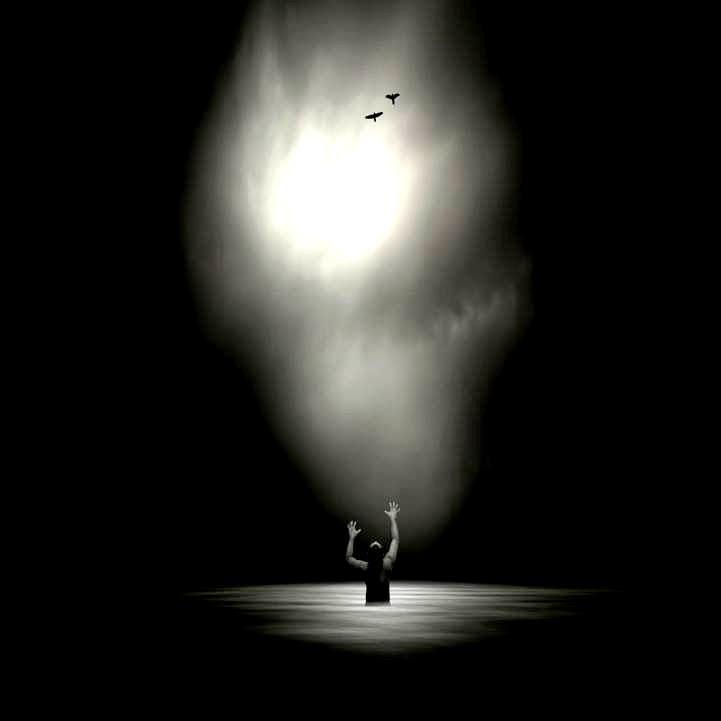 """Mittelbergheim, de Czeslaw Milosz; Fotografía de Philip Mckay. Libro de Referencia: Carlos Morales, """"Coexistencia (Antología de poesía israelí –árabe y hebrea– contemporánea"""", Ed. El Toro de Barro, Carlos Morales ed."""