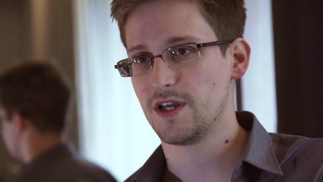 Jauhi Facebook Dropbox dan Google Edward Snowden