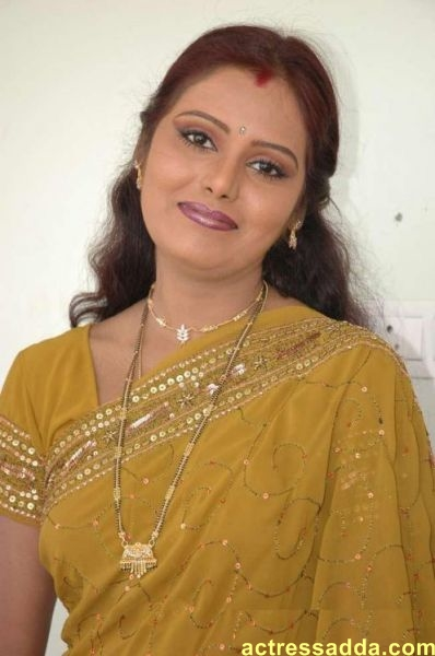 Hot mallu Desi Indian aunty sms chat phones number
