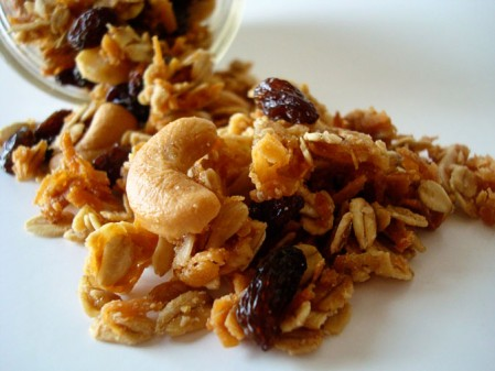 My sister 39 s kitchen my two favorite granola recipes part 2 for Alton brown oat cuisine