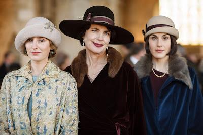 Elizabeth McGovern, Laura Carmichael and Michelle Dockery in Downton Abbey Season 6