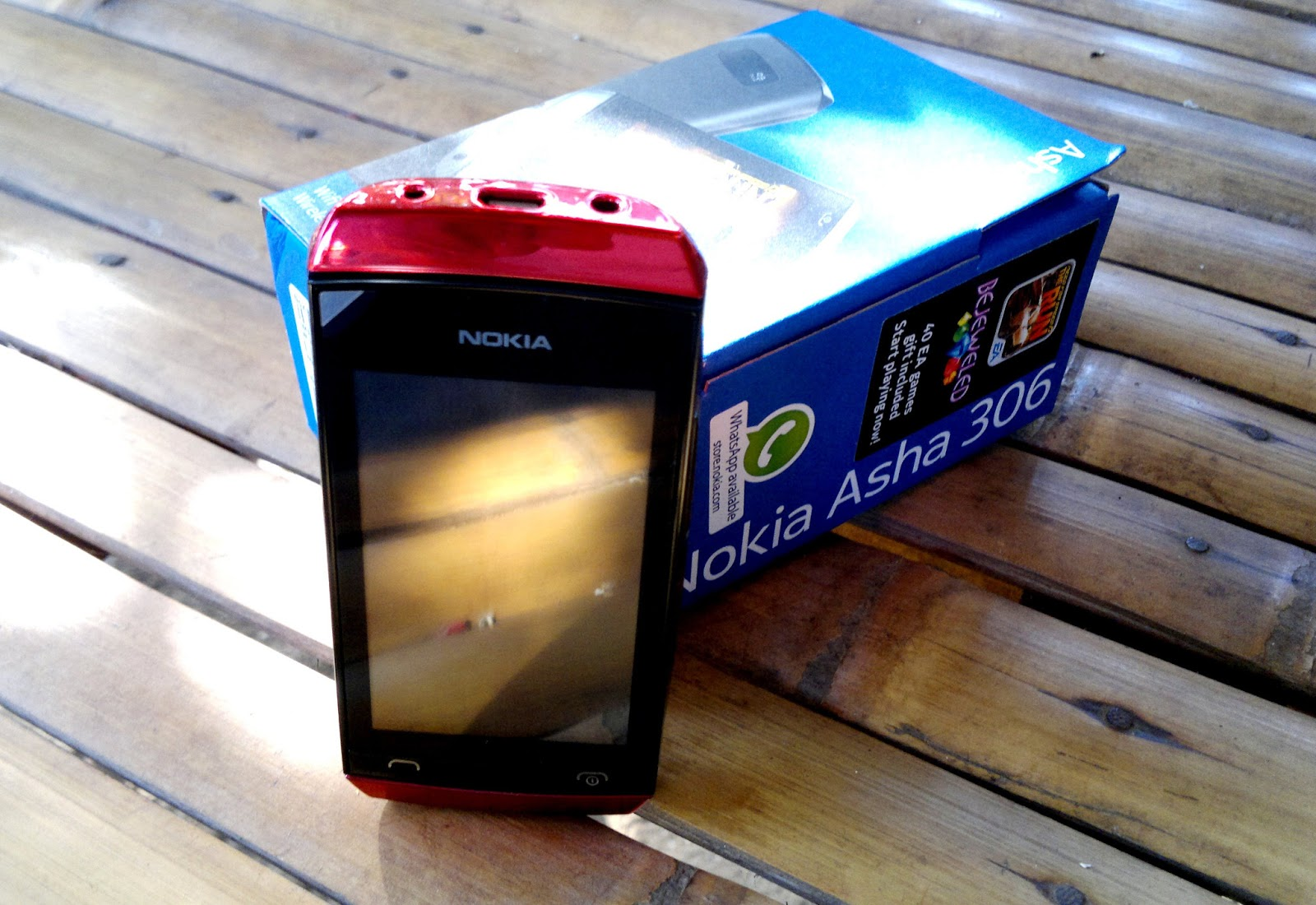 Nokia Asha 306 Hardware Smallish And Compact Scratch E Pad 603 2gb Black The Is No Different It Carries With Excellent Best Fitted For Its Price