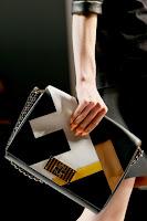 Голама чанта клъч пачуърк на Fendi