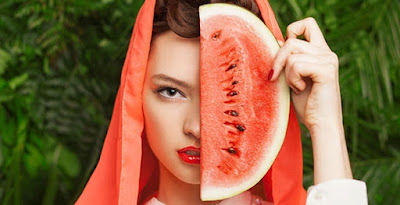 Manfaat buah semangka untuk kecantikan kulit