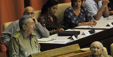 Raúl Castro faz discurso histórico perante o parlamento cubano