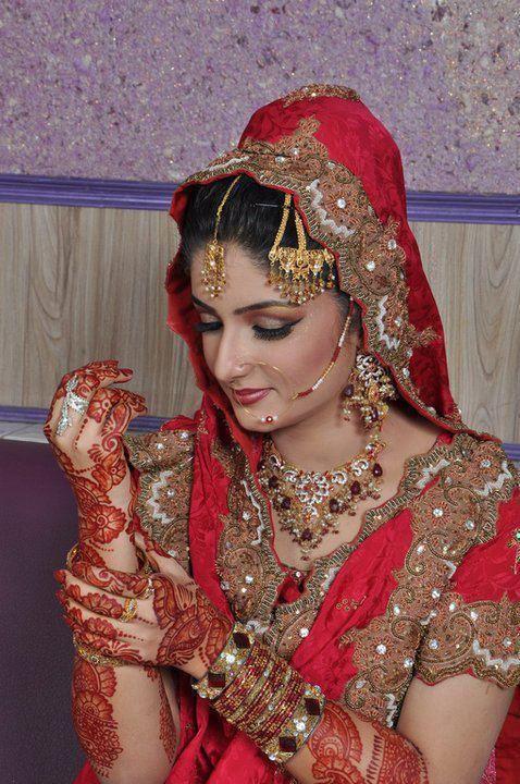 Mehndi Dulhan Makeup : Mehndi wedding design indian and palistani bridal