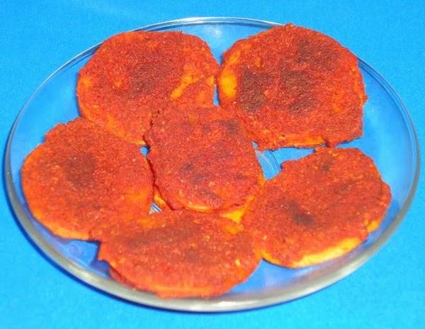 Batate phodi in a serving plate