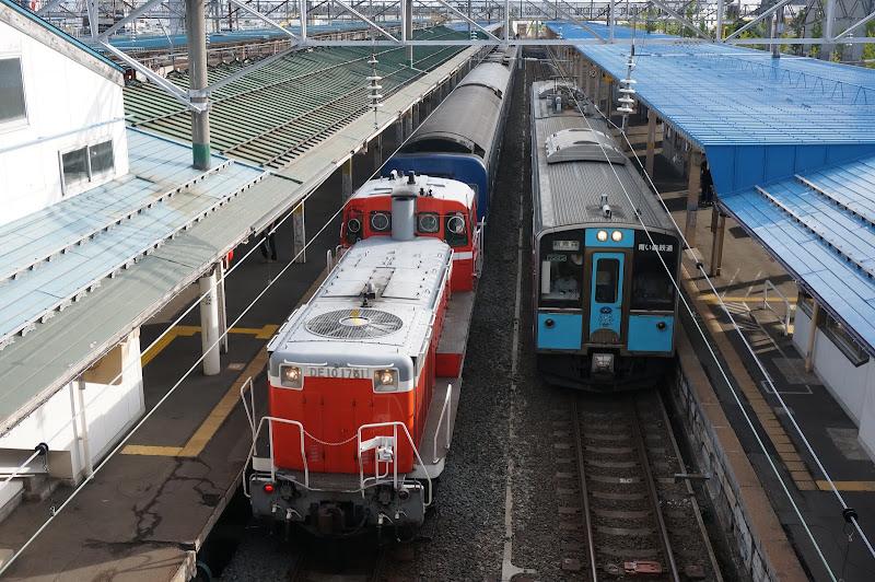 青森駅停車中急行はまなす回送と青い森701系