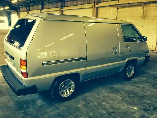 See A Hipper Van That Doesnt Have Volkswagen Emblem On The Front Tipsdailyturismo