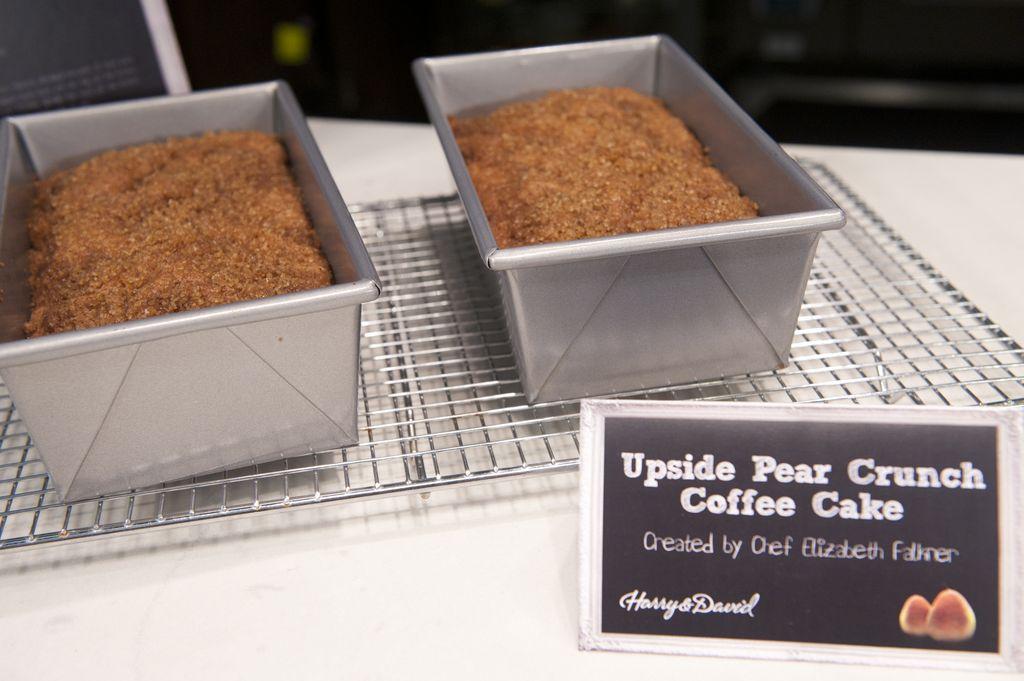 ... Mom Blog: Elizabeth Falkner's Upside Pear Crunch Coffee Cake Recipe