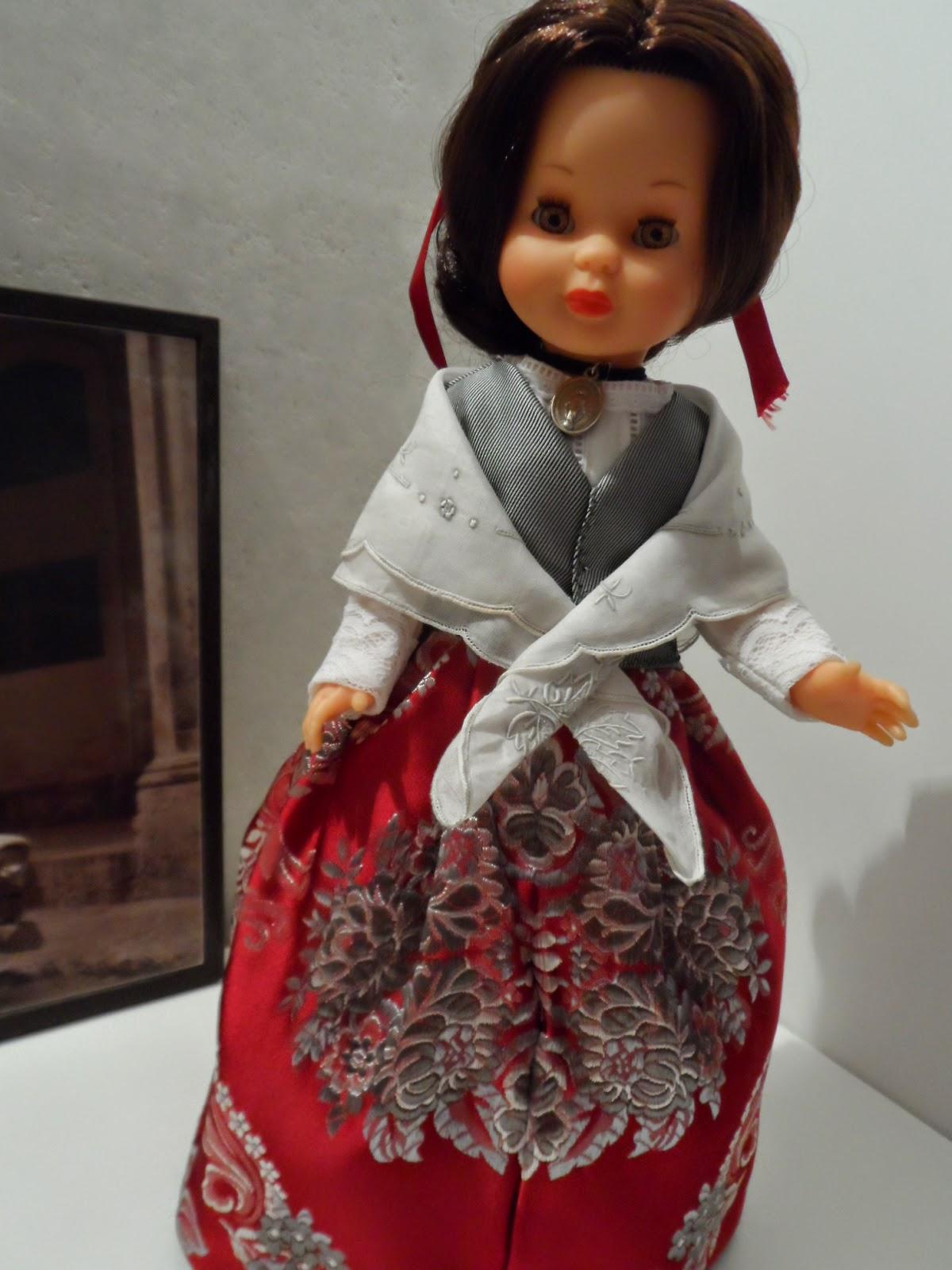 Nancy de famosa traje regional de aragon