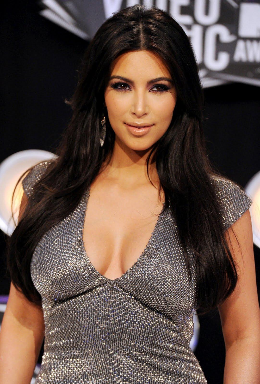 http://2.bp.blogspot.com/-TWLvM2fNw2Q/TqQCnS6OUxI/AAAAAAAAFUA/swV2BVrT3R0/s1600/Kim-Kardashian-37.jpg