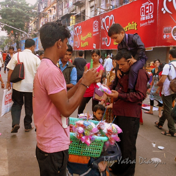 Selling toys on the way to Lalbaugcha raja, Ganesh Pandal Hopping, Mumbai